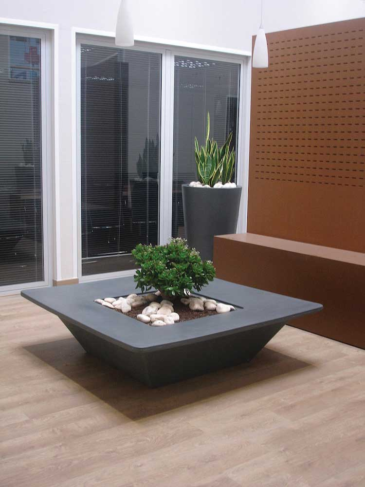 Bench pot Vasi