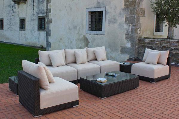 Scegli i mobili del tuo giardino